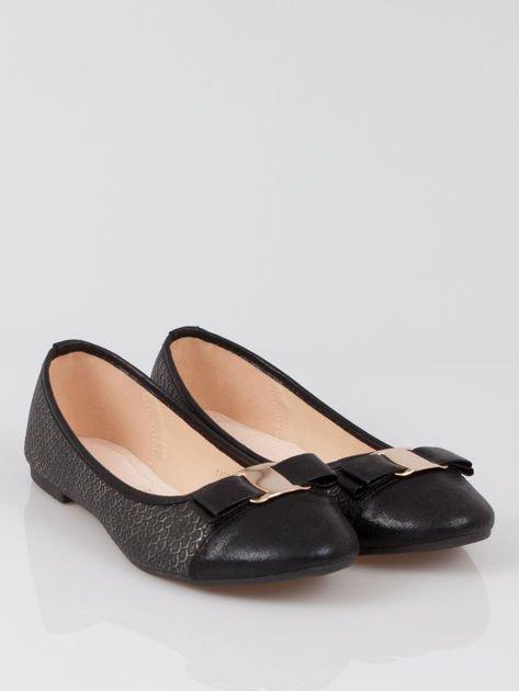 Czarne wężowe balerinki faux leather Paris z kokardą                                  zdj.                                  2