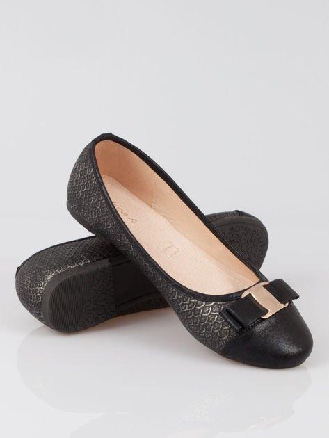 Czarne wężowe balerinki faux leather Paris z kokardą                                  zdj.                                  4