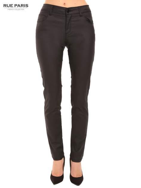 Czarne woskowane spodnie slim fit                                  zdj.                                  1