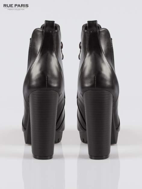 Czarne wysokie botki na platformie stylizowane na sztyblety                                  zdj.                                  3