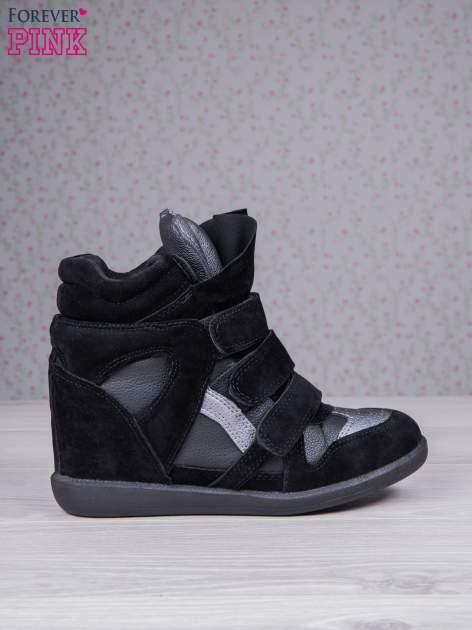 Czarne zamszowe sneakersy na rzepy z wstawkami