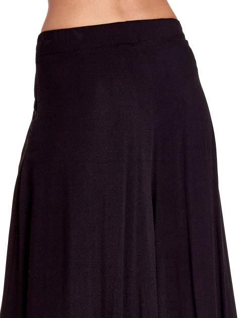 Czarne zwiewne spodnie typu culottes                                  zdj.                                  7