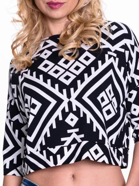 Czarno-biała bluzka cropped w azteckie wzory                                  zdj.                                  4