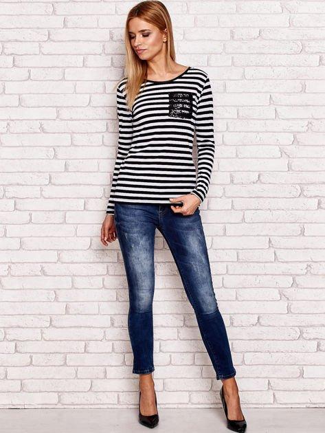 Czarno-biała bluzka w paski z cekinowymi motywami                              zdj.                              4