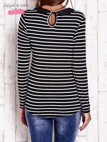 Czarno-biała bluzka w paski z kołnierzykiem                                  zdj.                                  4