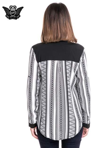 Czarno-biała koszula w geometryczne wzory                                  zdj.                                  4