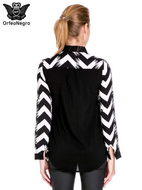 Czarno-biała koszula w geometryczny wzór                                  zdj.                                  5
