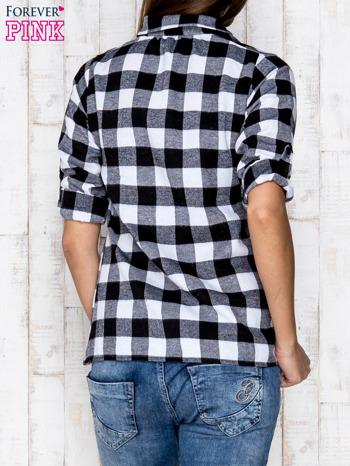 Czarno-biała koszula w kratę z kieszonką                                  zdj.                                  4