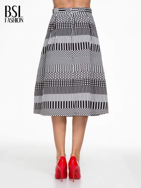 Czarno-biała spódnica midi w geometryczny wzór II                                  zdj.                                  4