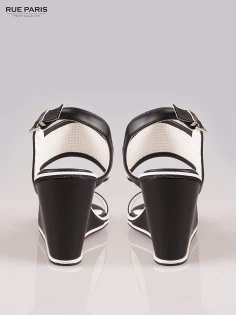 Czarno-białe siateczkowe koturny faux leather Matilda na paski z odkrytą piętą                                  zdj.                                  3