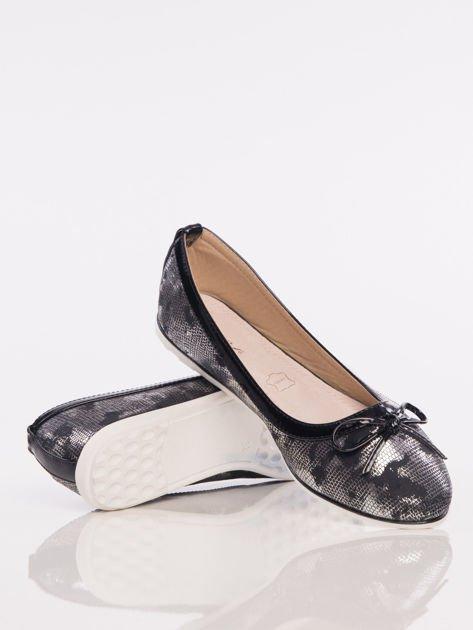 Czarno-srebrne cieniowane baleriny leather Husky z jasną podeszwą i czarną kokardką                                  zdj.                                  3