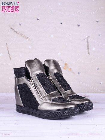 Czarno-srebrne sneakersy Agnes z suwakiem z boku, lakierowanymi wstawkami i materiełem z efektem glitter                               zdj.                              3