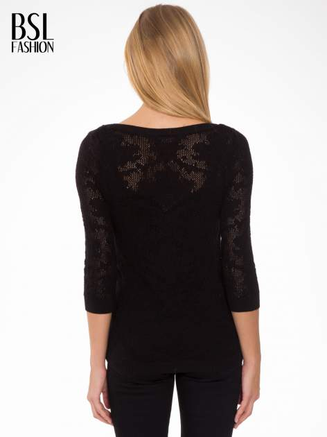 Czarny ażurowy sweter z rękawami 3/4                                  zdj.                                  4