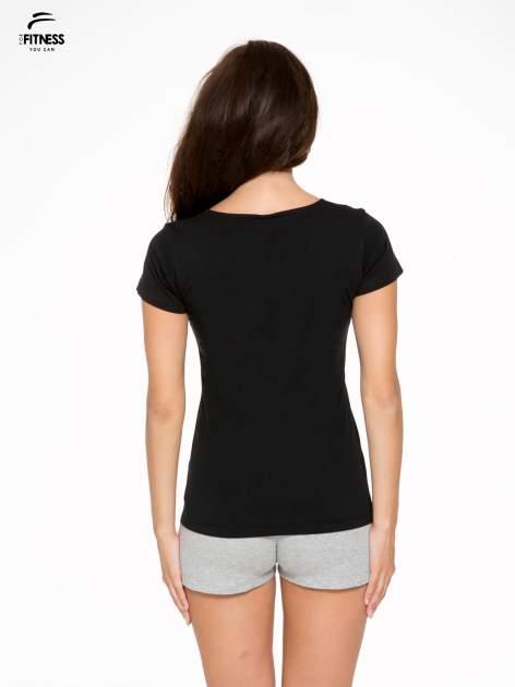 Czarny bawełniany t-shirt damski typu basic                                  zdj.                                  4