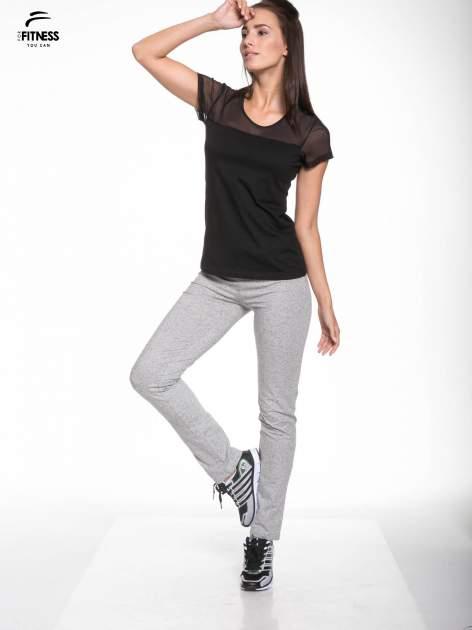 Czarny bawełniany t-shirt z siateczką                                  zdj.                                  5