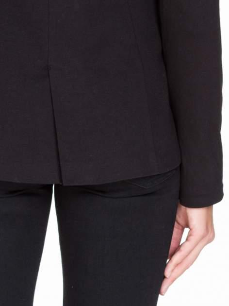 Czarny bawełniany żakiet damski na jeden guzik                                  zdj.                                  8