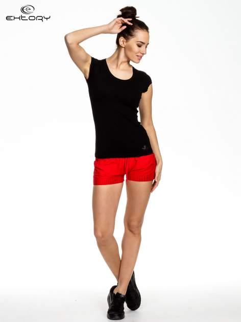 Czarny damski t-shirt sportowy basic                                  zdj.                                  2