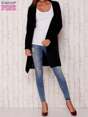 Czarny długi puszysty sweter                                  zdj.                                  3