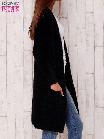 Czarny długi puszysty sweter                                  zdj.                                  4