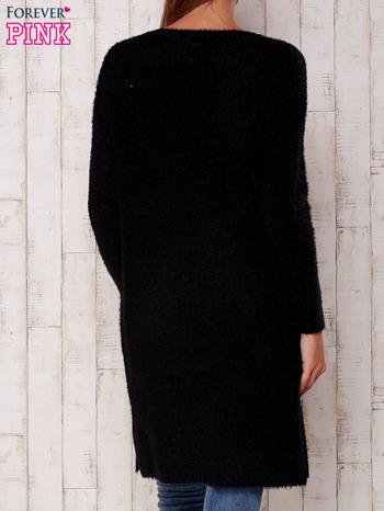 Czarny długi puszysty sweter                                  zdj.                                  5