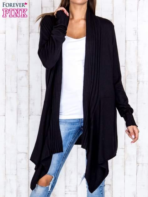 Czarny długi sweter z wykończeniem w pionowe paski                                  zdj.                                  1