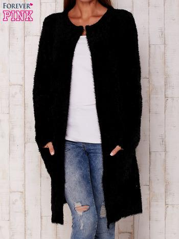 Czarny długi włochaty sweter