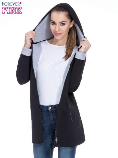 Czarny dresowy płaszcz oversize z kapturem                                  zdj.                                  5