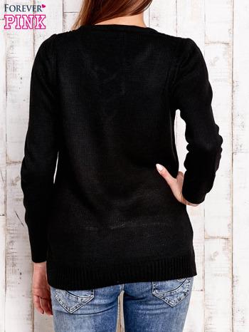 Czarny dzianinowy sweter z wiązaniem                                  zdj.                                  4
