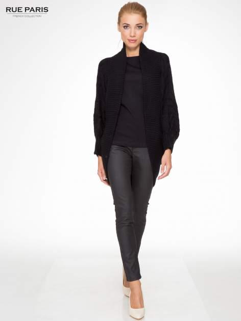Czarny dziergany sweter typu otwarty kardigan                                  zdj.                                  2
