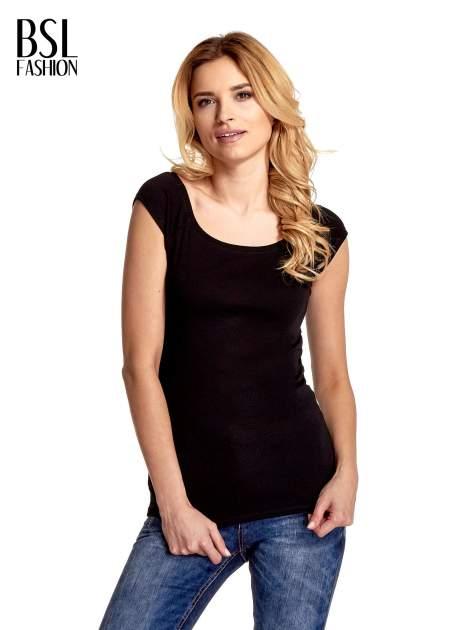 Czarny gładki t-shirt z łódkowym dekoltem                                  zdj.                                  1