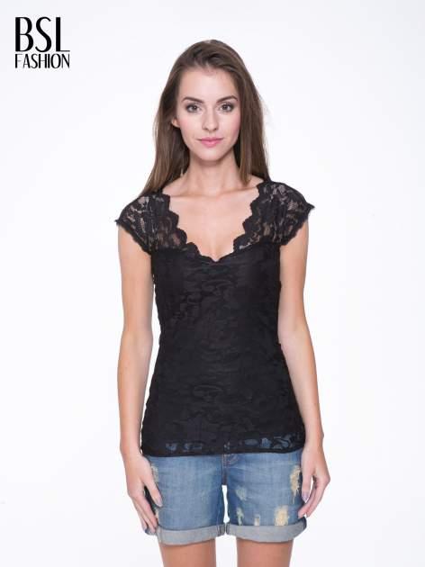 Czarny koronkowy t-shirt z głębokim dekoltem                                  zdj.                                  1