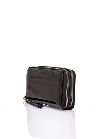 Czarny lakierowany portfel z uchwytem na rękę                                  zdj.                                  2