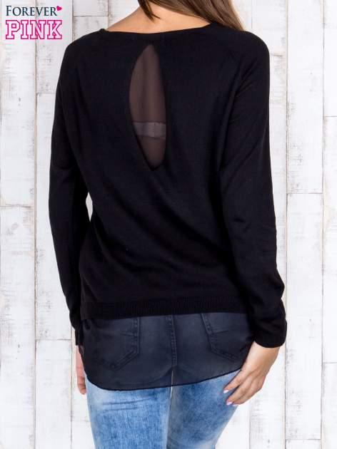 Czarny luźny sweter z siateczką i wycięciem z tyłu                                  zdj.                                  4