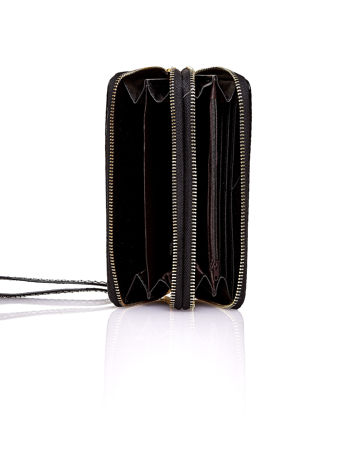 Czarny pikowany portfel z uchwytem na rękę                                  zdj.                                  4