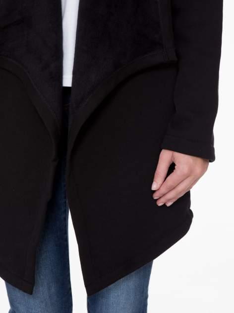 Czarny płaszcz dresowy z asymetrycznymi bokami                                  zdj.                                  7