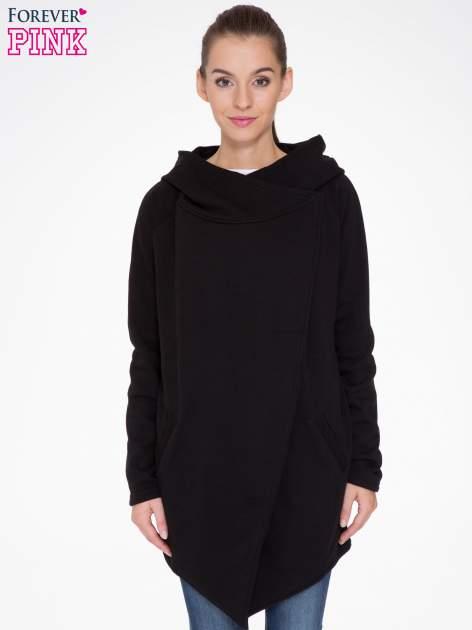 Czarny płaszcz dresowy z kapturem