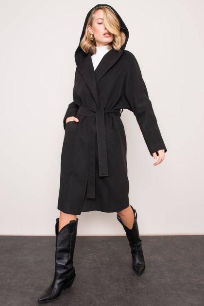 Czarny płaszcz z kapturem BSL
