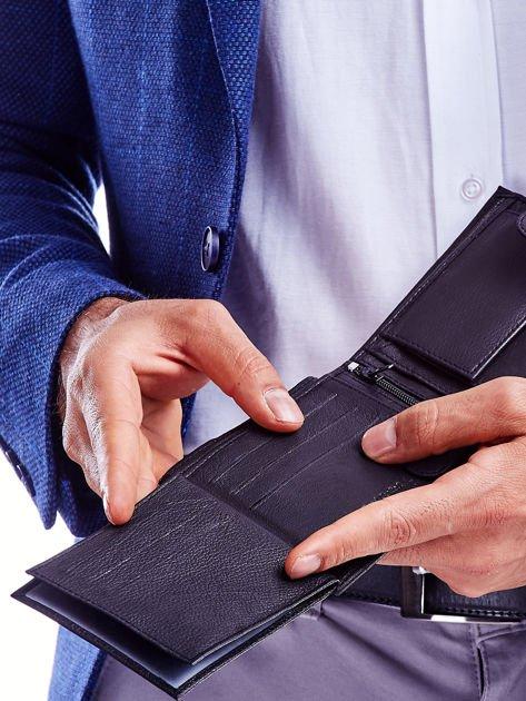 Czarny portfel dla mężczyzny z materiałowym modułem                              zdj.                              3
