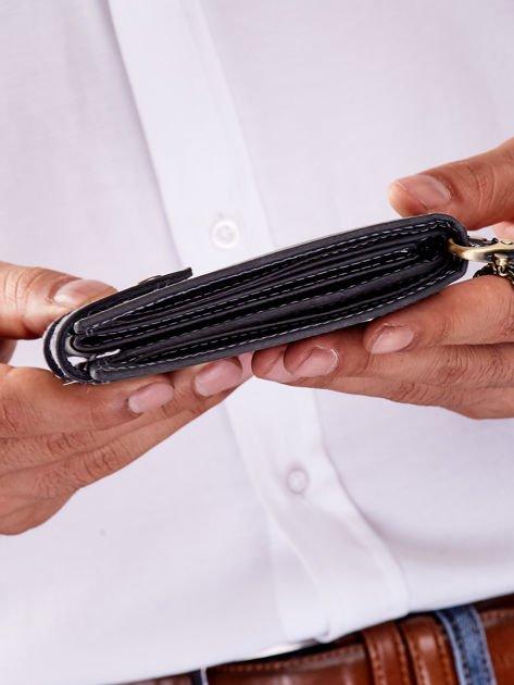 Czarny portfel męski skórzany z łańcuszkiem                              zdj.                              4