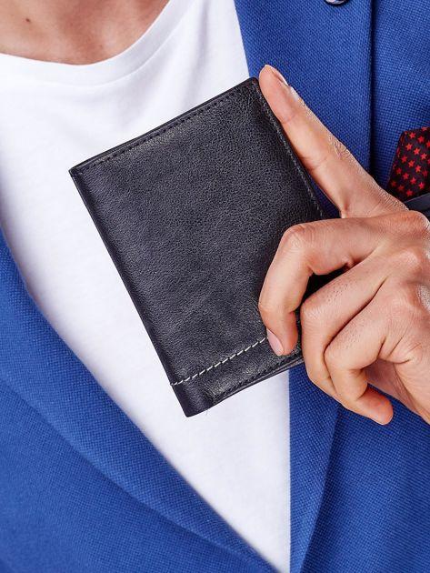 Czarny portfel męski z przeszyciem                              zdj.                              4