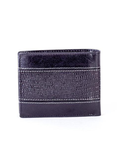 Czarny portfel męski ze skóry z poziomym tłoczeniem                              zdj.                              2