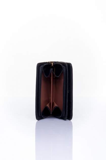 Czarny portfel z motywem geometrycznej plecionki                                  zdj.                                  4
