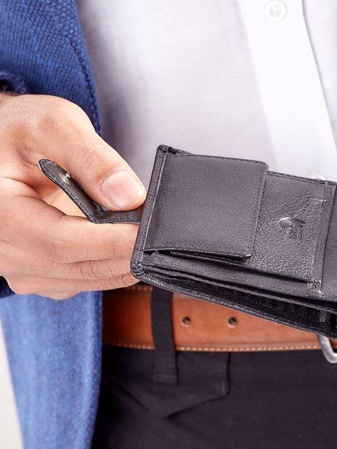 Czarny rozkładany portfel ze skóry                              zdj.                              4