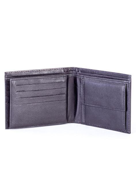 Czarny skórzany portfel męski z eleganckim czerwonym obszyciem                              zdj.                              5