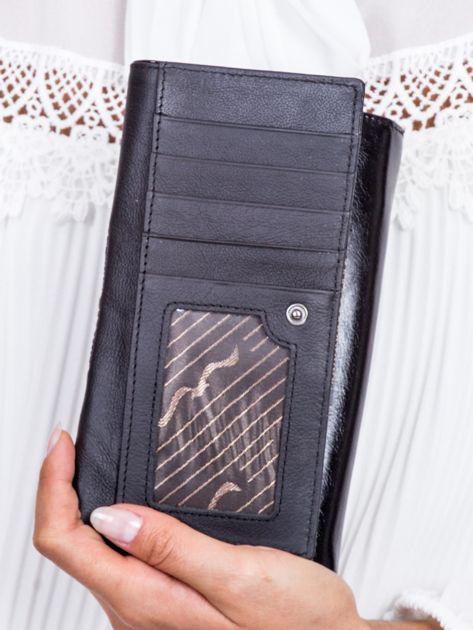 Czarny skórzany portfel z ozdobną wstawką                              zdj.                              4