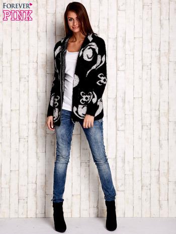 Czarny sweter long hair z ornamentowym motywem                                  zdj.                                  4