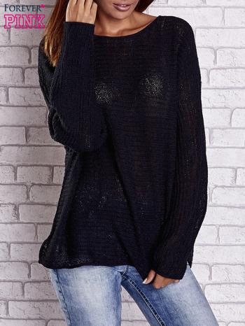 Czarny sweter oversize z rozcięciami po bokach                                  zdj.                                  1