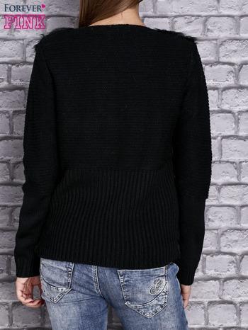 Czarny sweter z futerkiem                                  zdj.                                  4
