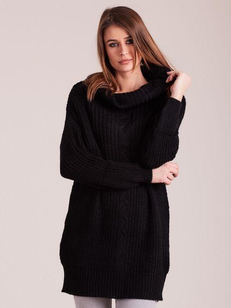 Czarny sweter z luźnym golfem                              zdj.                              1