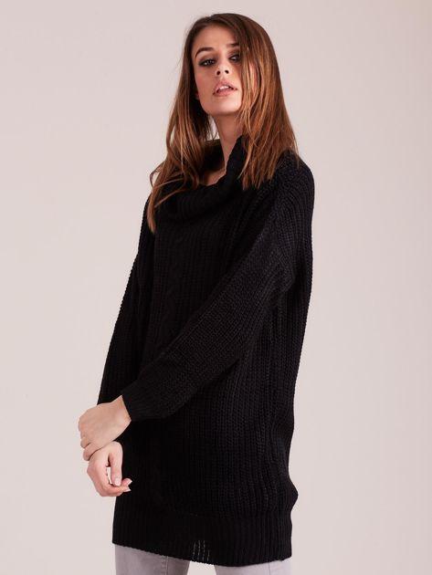 Czarny sweter z luźnym golfem                              zdj.                              3